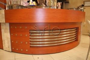 طراحی-رستوران-دکوراسیون-میز صندوق-عروس لبنان3