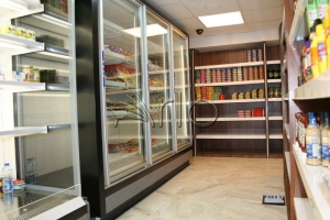 طراحی-تجهیز-سوپرمارکت-فریزر-دربدار-اسکان2