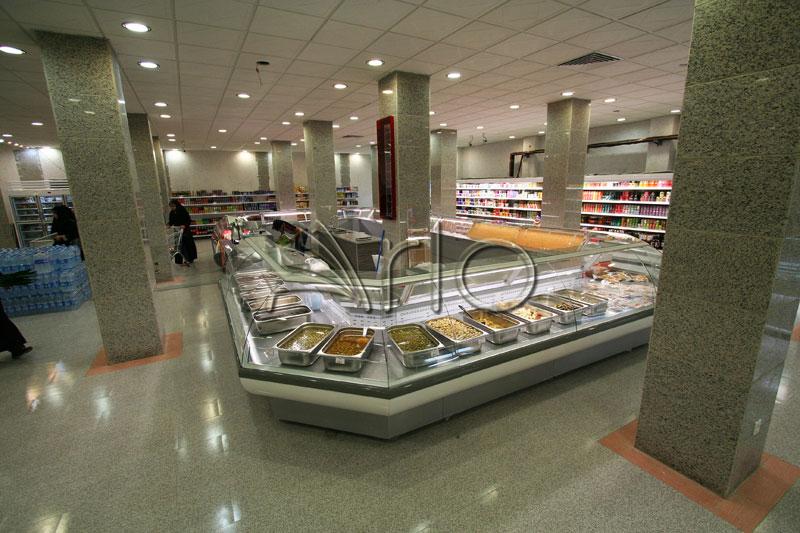 طراحی-تجهیزات-فروشگاهی-یخچال-شیشه خم-اندیشه7
