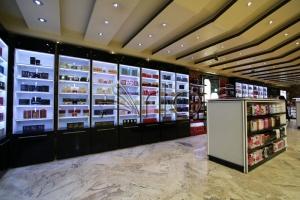 طراحی-قفسه بندی-هایپرمارکت-اراک8