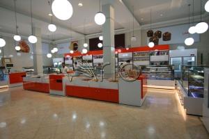 طراحی-دکوراسیون-قنادی6-جاآجیلی-شیرینی فروشی