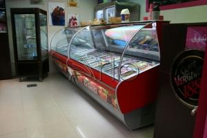 طراحی-تجهیز-دکوراسیون-یخچال-بستنی1