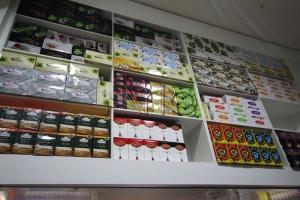 طراحی-تجهیز-قفسه بندی-فروشگاه-زرین3