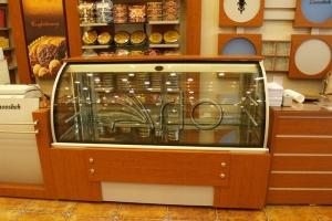 طراحی-تجهیز-دکوراسیون-کانتر-قنادی-شیرینی فروشی3