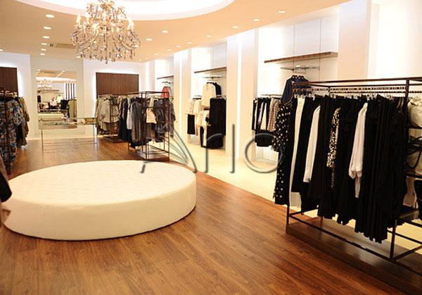 قفسه-بندی-پوشاک-لباس-استند-فروشگاهی18