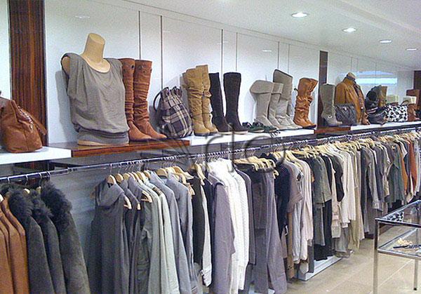 قفسه-بندی-پوشاک-لباس-استند-فروشگاهی24